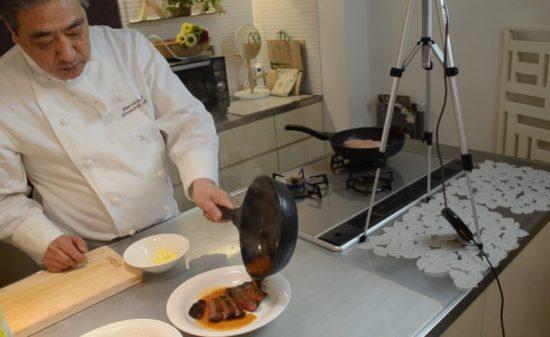 ムッシュ高木の料理の基本:フライパンの使い方 ガーリックソース