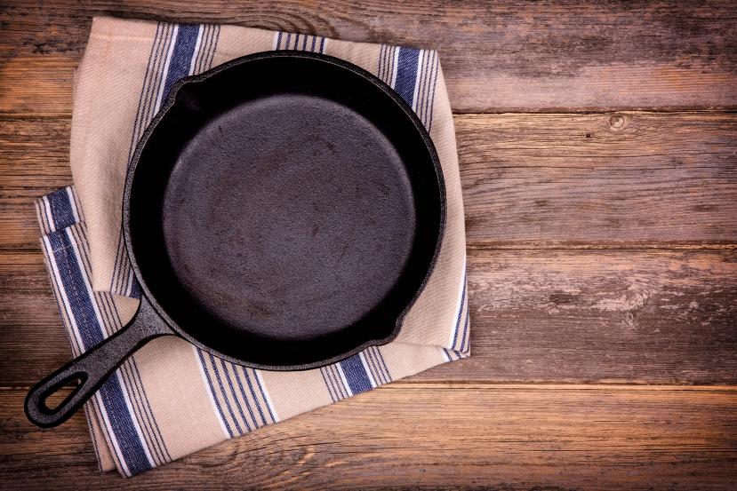 ムッシュ高木の裏ワザレシピ:スパニッシュオムレツ(スペイン風オムレツ) - スキレット