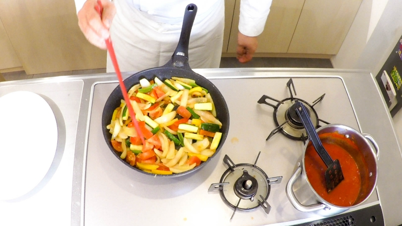 ムッシュ高木が教えるラタトゥイユ:野菜を炒める